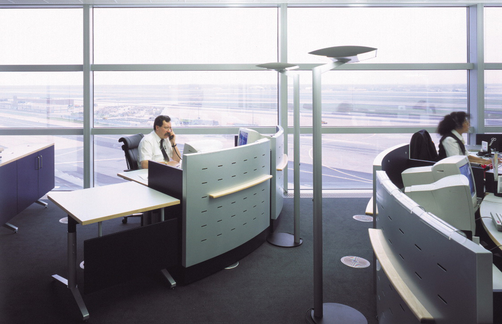lufthansa hub control center design ulla g tz. Black Bedroom Furniture Sets. Home Design Ideas