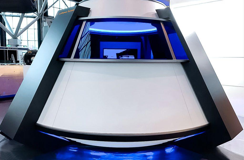 "Lufthansa Technik AG – Design Ausstellungs-Pavillon in Form einer ""Raumkapsel"""