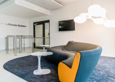 Lufthansa Systems – Interior design + furniture design for foyer, customer lounge, showroom and managing director's area